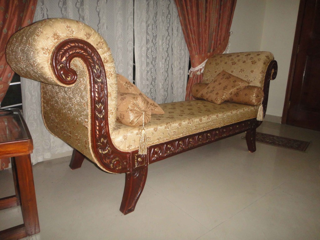 A traditional deewan for your luxurious home