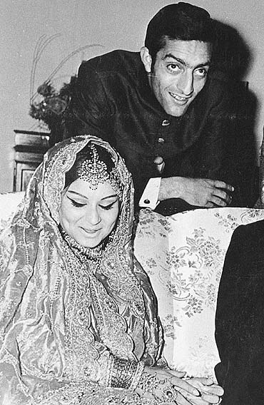 Sharmila Tagore and Mansoor Ali Khan Pataudi on their wedding day!