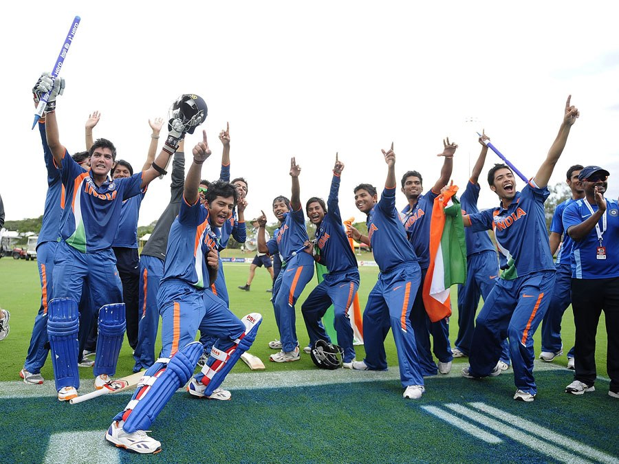The excited Indian team (U-19) celebrates after the World Cup 2012 victory!