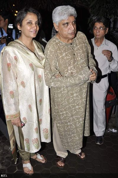 Shabana-Azmi-and-Javed-Akhtar-during-AK-Hangals-prayer-meet-held-at-Juhu-in-Mumbai-