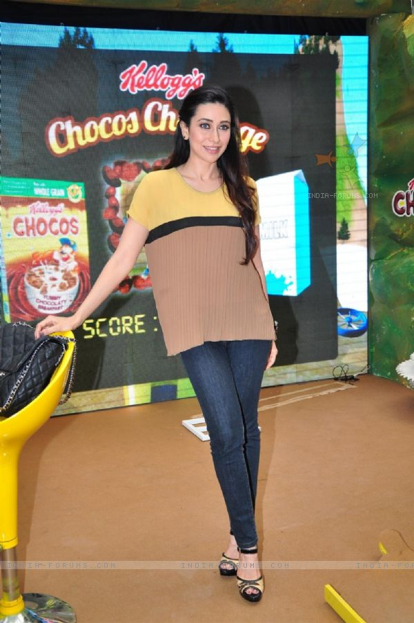 222554-brand-ambassador-of-kellogg-chocos-karisma-kapoor-at-the-launch.jpg
